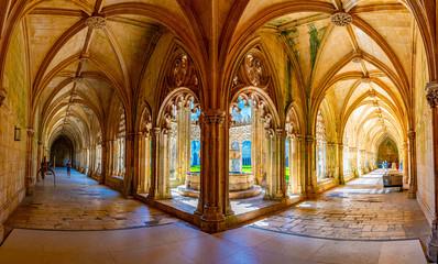 Courtyard of the Batalha monastery in Portugal Fototapete