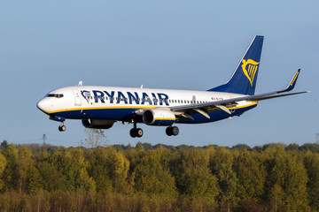 Boeing 737 plane from Ryanair about to land on Eindhoven Airport on October 27, 2017