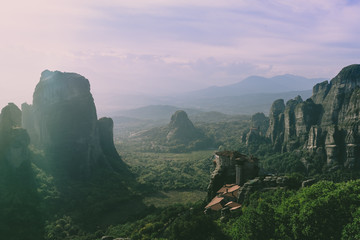 Foto auf Leinwand Flieder view of the canyon in meteora