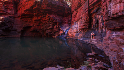 Photo sur Toile Grenat Views in Handrail Pool, Weano Gorge, Karijini National Park, Western Australia.