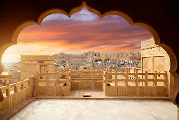 Jaisalmer city and Fort at sunset Fotomurales