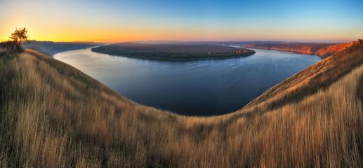 Fototapeten Dunkelbraun Dnister River Canyon. picturesque dawn