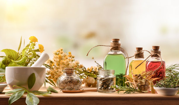 Composition of natural alternative medicine with capsules essence and plants