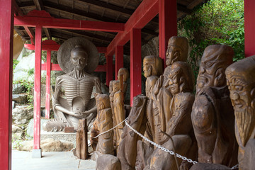 Buddha statues at inner temple of Ishiteji in Matsuyama, Ehime, Japan 石手寺(四国八十八箇所 第51番札所) 奥の院の仏像 愛媛県・松山市