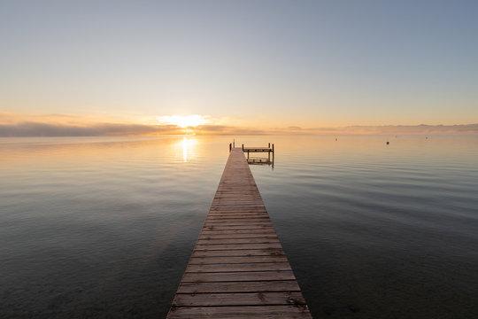 Sonnenaufgang Starnberger See Steg Tutzing