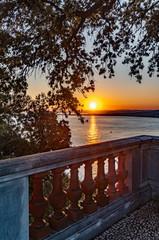 Papiers peints Marron coucher de soleil sur la baie des anges à Nice