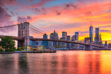 Foto auf Leinwand New York Lower Manhattan Skyline and Brooklyn Bridge