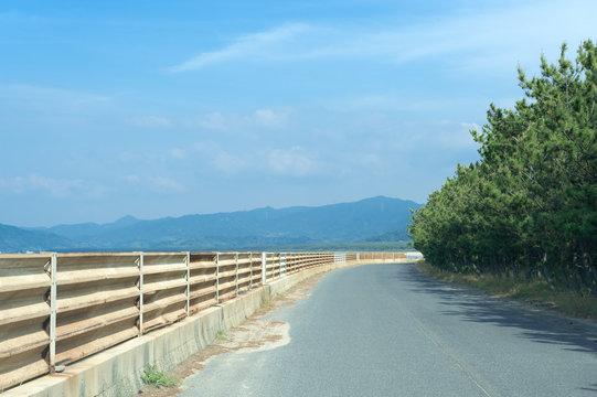 佐賀県唐津市 虹の松原の海側の景色