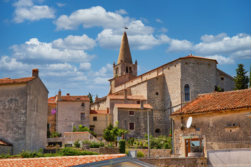 Holy Spirit church and historic architecture in the center of the town of Bale in Croatia Fotomurales