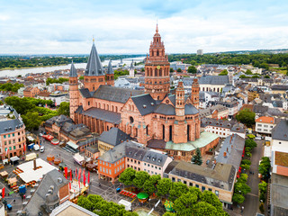 Photo sur Toile Con. Antique Mainz cathedral aerial view, Germany