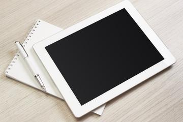 タブレットPCとノートとペン