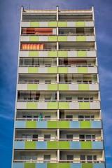 saniertes hochhaus in berlin buch, deutschland