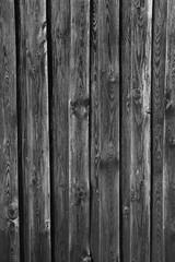 eine alte dunkle Bretterwand