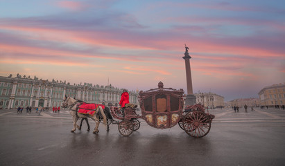 horse carriage on the background of the Winter Palace Fototapete