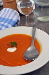 Assiette de soupe de butternut
