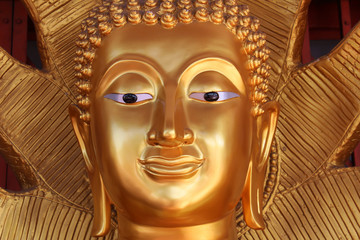 Face image of Golden Buddha statue