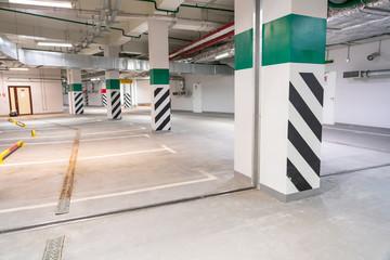 Underground parking garage, empty modern industrial interior Fototapete