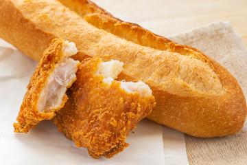 フライドチキンとフランスパン