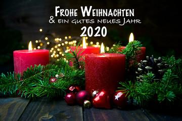 Vierter Advent - Deutsche Weihnachtsgrüße 2019 - 2020 - Brennende rote Adventskerzen mit Text
