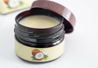 Cosmetic product: natural coconut oil with beeswax