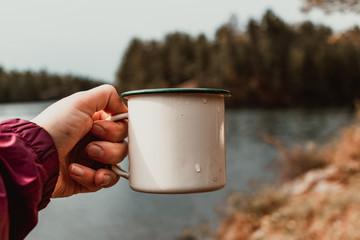 Tuinposter Kamperen Coffee while camping