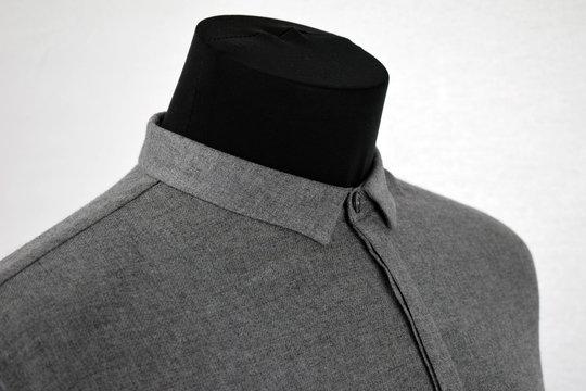 Kleidung vor wei�em Hintergrund