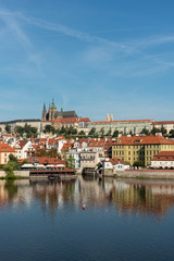 Poster Praag Panoramic view of Prague Castle and St. Vitus Cathedral in Prague