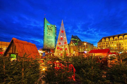 Leipzig Weihnachtsmarkt am Abend - Leipzig Christmas market in the evening