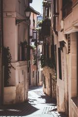 callejón del casco antiguo de toledo