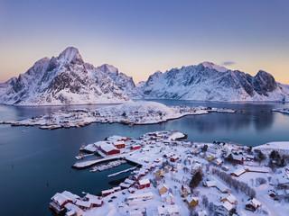 Türaufkleber Nordeuropa Reine Village on the Lofoten Islands in Winter season, Norway