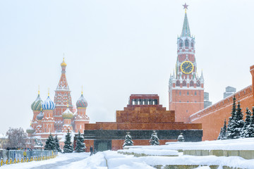 Fototapete - Red Square in winter, Moscow, Russia. It is famous tourist attraction of Moscow.