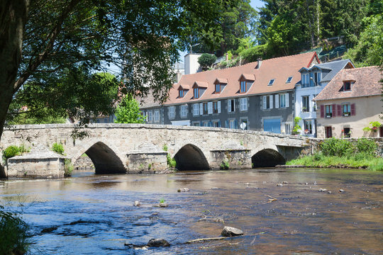 15thC Pont Roby crossing the River Creuse, Felletin, Creuse, Nouvelle-Aquitaine, France