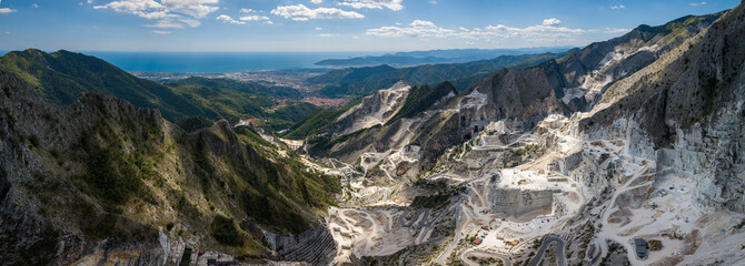 Carrara mountains. quarry - the place where Michealangelo sourced the marble for David,  Massa-Carrara Tuscany Italy - high resolution panoramic image Fototapete