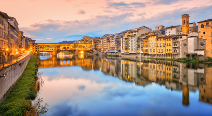 In de dag Florence Arno river in Florence Old town, Italy