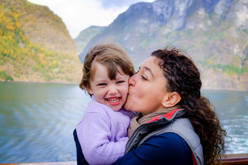 Papiers peints Lilas Family cruise in the Norwegian fjords