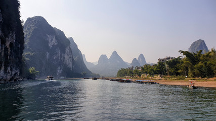 Foto op Plexiglas Guilin Li River surrounded by Karst between Guilin and Yangshuo - Guangxi Province, China