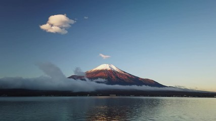 Fototapete - Mountain fuji at sunrise, Yamanaka Lake, Japan
