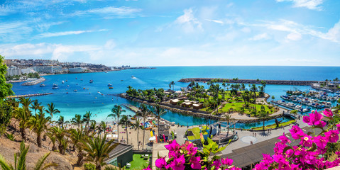 Foto op Canvas Blauw Landscape with Anfi beach and resort, Gran Canaria, Spain