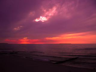 Printed kitchen splashbacks Eggplant Sunset by the sea