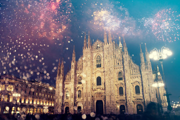 Fototapeten Milan Celebrating the New Year in Milan with fireworks