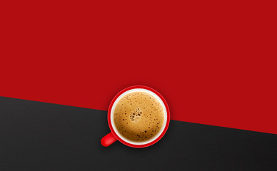 Photo sur Aluminium Cafe cup of coffee on red background. top view