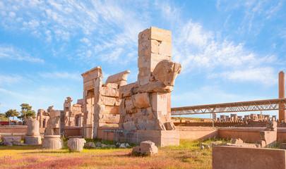 Fotobehang Oude gebouw Panoramic view of ancient Persian capital city of Persepolis, Iran