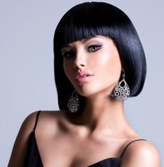 Spoed Fotobehang Kapsalon Beautiful woman with shot hairstyle