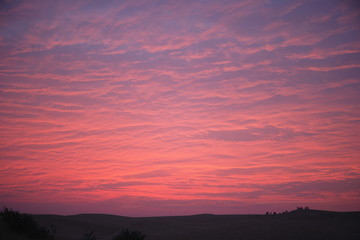 Fototapeten Rosa Lovey A Sunrise at Sand Dunes, Jaisalmer, Rajasthan, India