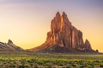 Fototapete - Shiprock, New Mexico, USA