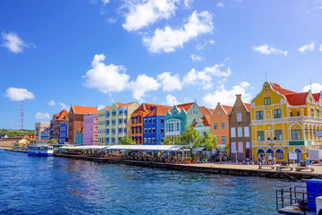Specific coloured buildings in Curacao Fotomurales