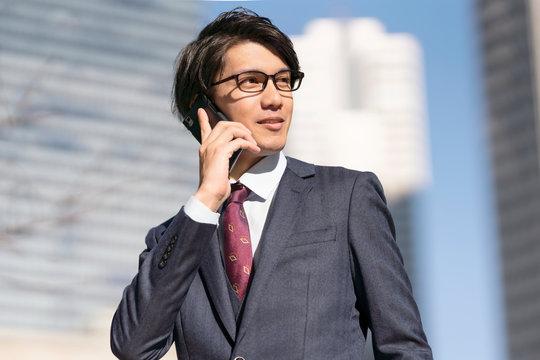 ビジネスマン スマートフォン