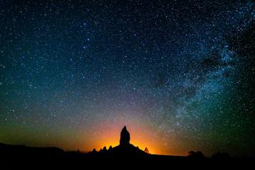 JUNE 16, PINNACLES TRONA CALIFORNIA, USA - Milky Way over Pinnacles Trona California at night Fotomurales