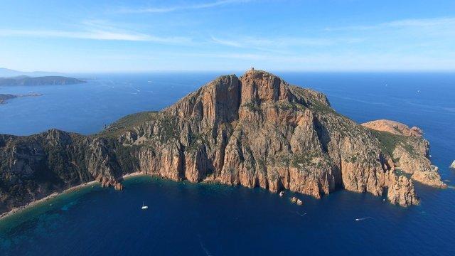 La tour de Capo Rosso en Corse