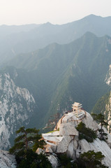 Spoed Foto op Canvas Xian stone pagoda on the East Peak of the holy mountain HuaShan